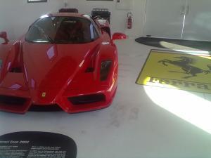 La vettura stradale dedicata a Enzo